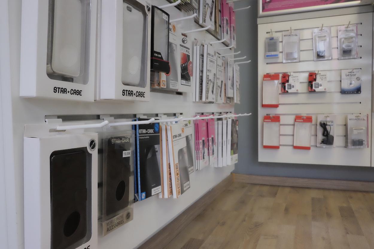 Mit der Abo-Plus-Karte gibt es 20 Prozent Rabatt auf sämtliches Handyzubehör. Foto: tro